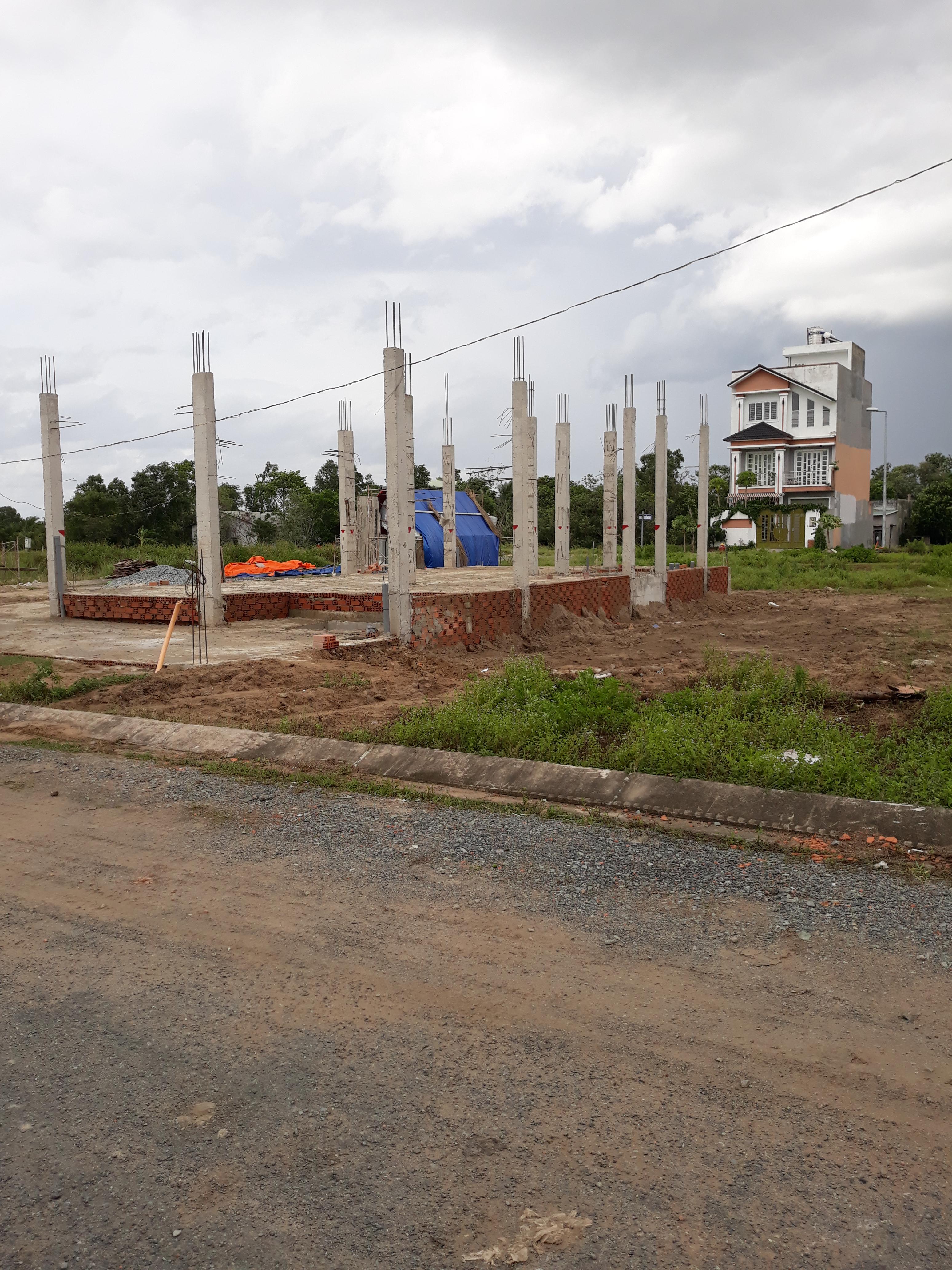 Bán đất 7 x 20, thổ cư 100%, đường 20m, giá chỉ : 11tr/m, Đinh Đức Thiện, sau trường PTTH BChanh