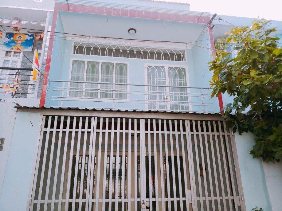 nhà đường Độc Lập, Tân Phú, Không vướn cống, trụ điện