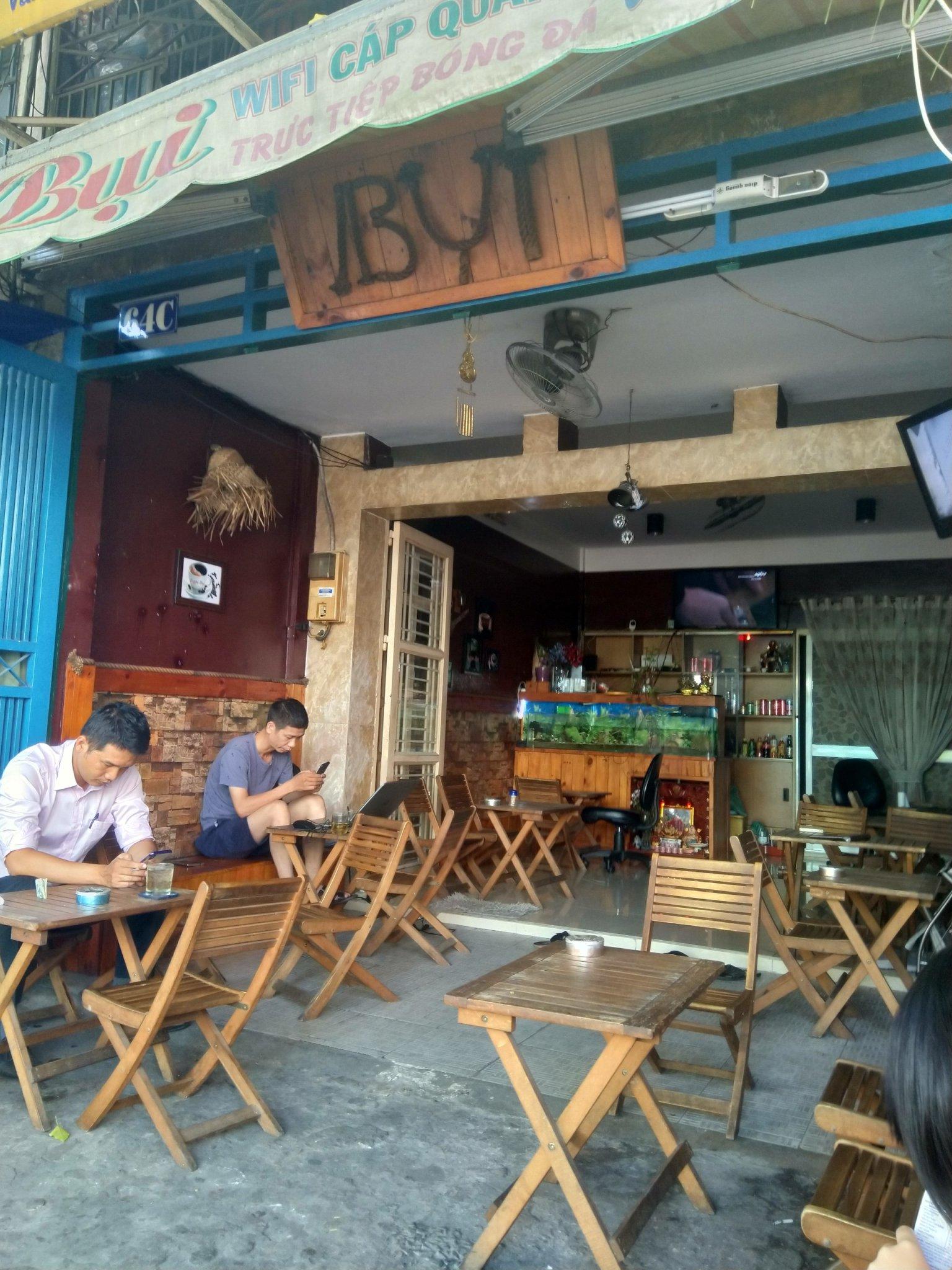 Cần bán gấp nhà chung cư mặt tiền có tầng trệt, ở đường Phạm Vấn Q.Tân Phú TpHCM